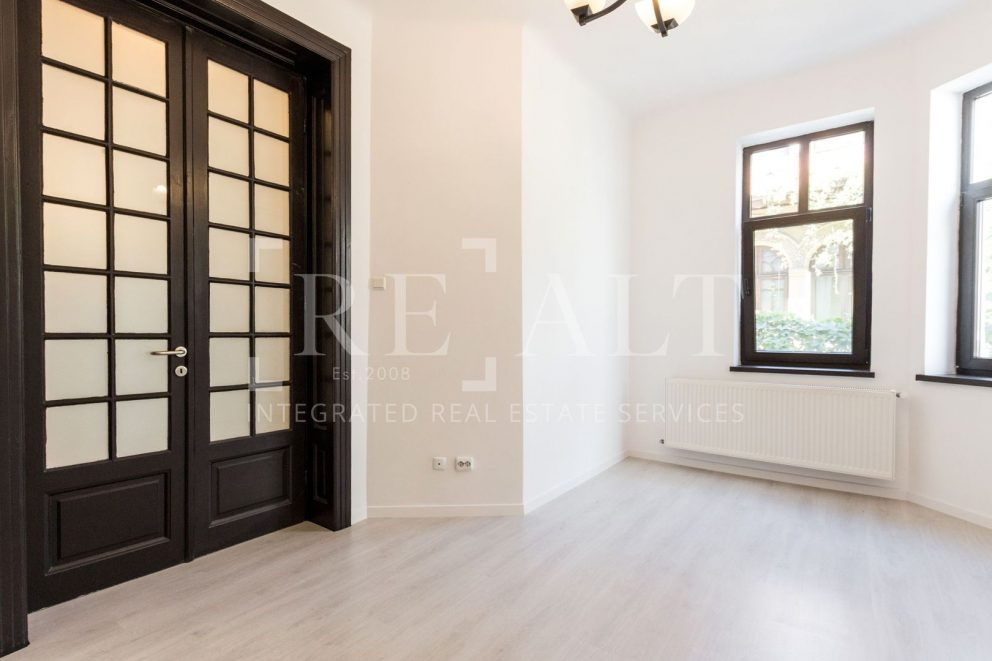 4 rooms apartment for rent | Located in the renovated villa in 2020 | Dorobanti [ ID 979324 ]